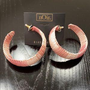 nOir Earrings 💓